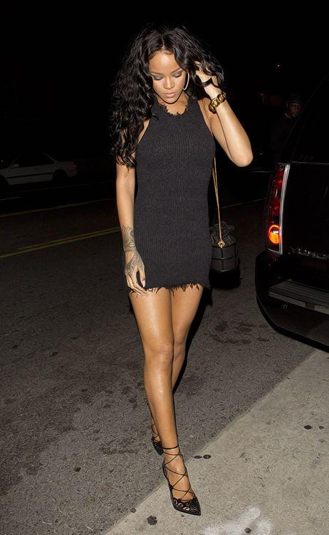 Rihanna looking fabulous in black mini dress | Rihanna | Pinterest | Black mini dresses Minis ...