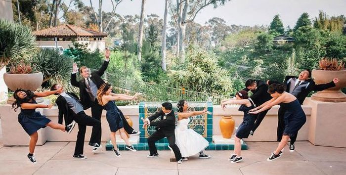 Funny Wedding Pictures (74 pics) DUDE I LOVE THIS!!@Jessica Bennett