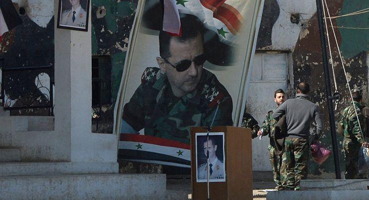 Bien que l'Allemagne assure que sa rhétorique sur l'avenir politique de Bachar el-Assad reste inchangée, sa position semble avoir évolué ces deux dernières années. Ainsi, l'exigence du départ immédiat du président cède place aux propos sur sa participation à la transition.
