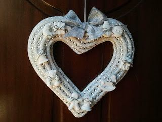 twinkle love... Beautiful  heart shaped garland, decorated with silver ribbons and scented christmas chalks