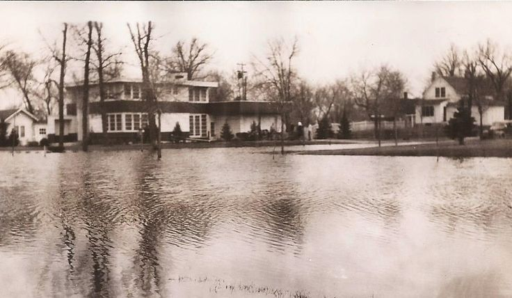 East Grand Forks, North Dakota, 1947 Flood Photo, Vintage Photograph, Black and White Photo, Vernacular Snapshot, Natural Disaster, Flood by BettywasaBombshell on Etsy