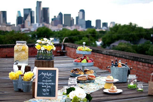 A picnic with a view. #Eating  #SummerofDoingChalkboards, Rooftops Picnics, Wedding Ideas, Summer Picnics, Summer Parties, Picnic Weddings, Wedding Theme, Picnics Theme, Wedding Picnics