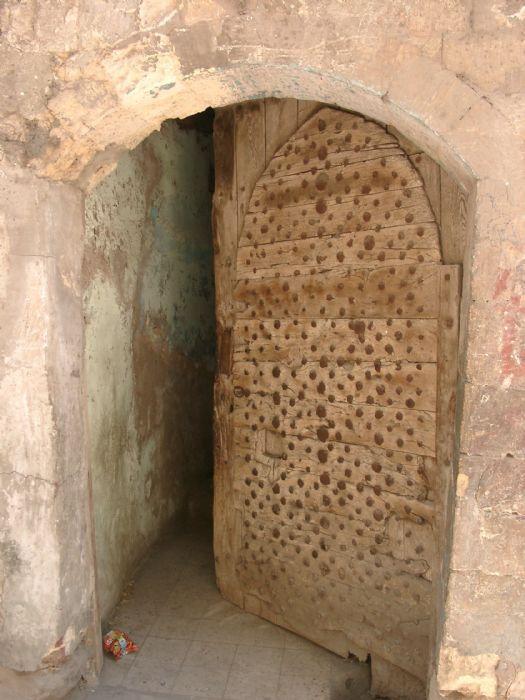 17 mejores im genes sobre puertas antiguas en pinterest - Puertas viejas de madera ...