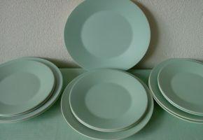 """Aardewerk Boch Frères, Belgium """"Vedette"""" 6 diner borden, diameter 23,5 cm en 6 dessert borden, diameter 19,5 cm"""