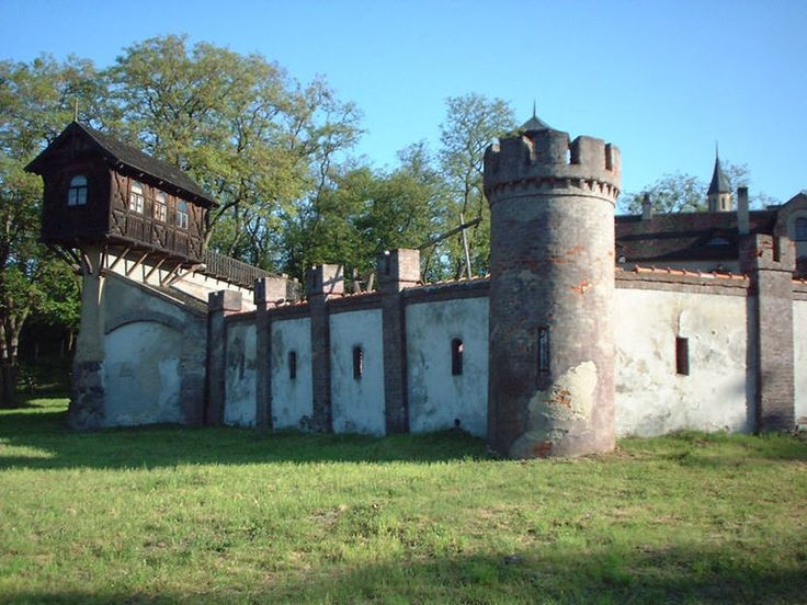 Castle Bugaj, Poland
