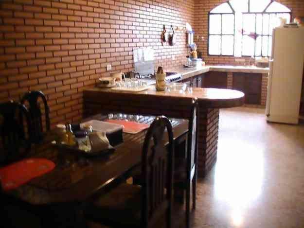 BARRIO  CENTENARIO  -  Casa  con  espacio  para  todos