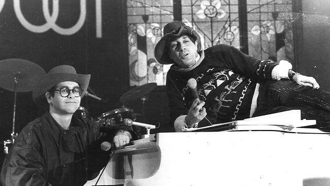 Elton John Molly Meldrum  Countdown: Do Yourself A Favour on ABC Australia It bought back so many memories of my childhood/youth. It was the soundtrack of my life.Elton & Molly  wp.me/p5iaB7-2n