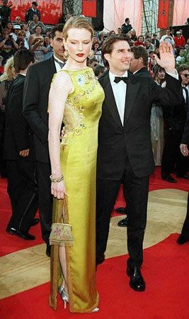 The stunning John Galliano (worn by Nicole Kidman) dress that changed Oscar fashion... Can you believe this dress is almost 15 years old and still looks great??!!
