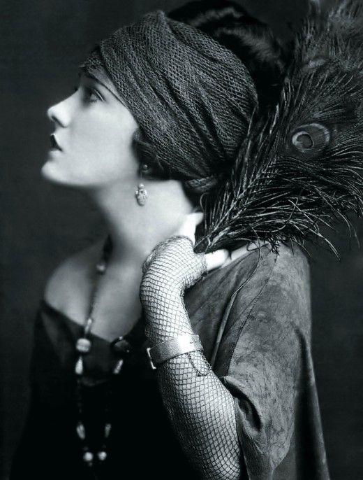 Gloria SwansonPhotos, 1920 S, Vintage, Gloriaswanson, Art, Beautiful, 1920S, Peacocks Feathers, Gloria Swanson