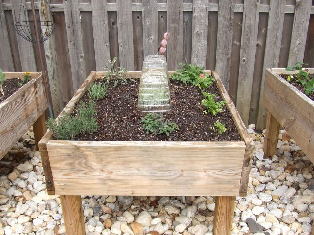 How to build a raised garden bed with legs garden How to build a raised garden bed with legs