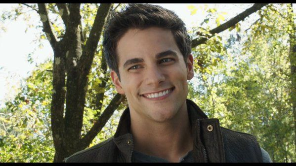 "Brant Daugherty: da ""Pretty Little Liars"" a ""50 sfumature di rosso"""