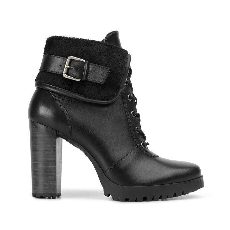 Nueva línea de semi vestir con un toque moderno por su suela de plataforma dentada. Proyecta un estilo vanguardista por la atractiva combinación de materiales y texturas como afelpados y grabados, así como los detalles metálicos en hebillas, remaches y herrajes. Se presentan tres estilos en mocasín, mary jane, botín liso y botín acordonado en …#shoes #zapatos #fashion #moda #goflexi #flexi #clothes #style #estilo #otono #invierno #autumn #winter