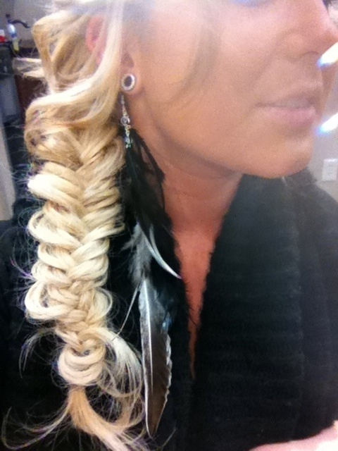 wanna stretch my ears to a small size like this..0g is my goal size plus cute fishtail