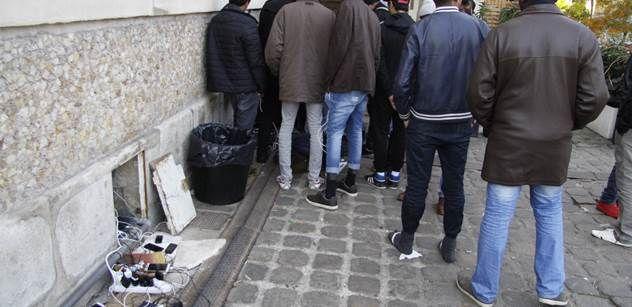 Saúdská Arábie chce z Evropy chalífát. Některé lidskoprávní aktivistky sem uprchlíkům přímo pomáhají, hledají sexuální dobrodružství, udeřil poradce čtyř premiérů