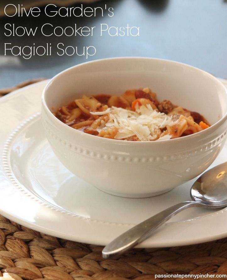 Olive Garden Pasta Fagioli Soup Recipe {Slow Cooker} - I just made this for dinner and it was YUMMY!!    I used 1 lb. ground turkey and 1 lb. ground turkey Italian sausage <3