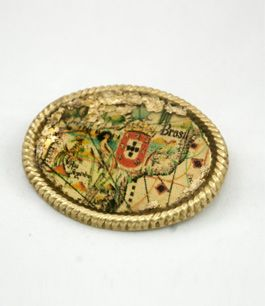 Maps Brooch , bronze with gold leaf and resin  Availiable at the Navy Museum of Lisbon and at www.stories2wear.com