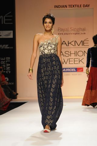Midnight blue banarsi georgette gown with filigree zardosi yoke. Rent this look for your cocktail night only at Stage3.co #PayalSinghal #DesignerOutfitsOnline #Stage3 #GetTheLook #TheNewWayToDoIt