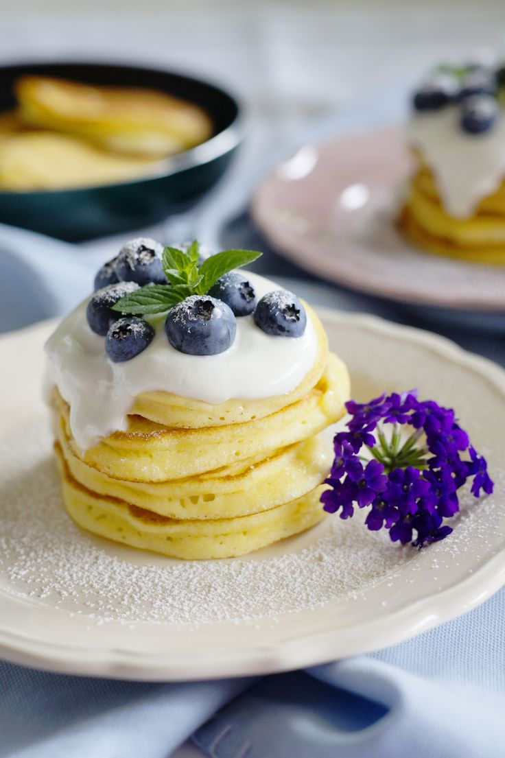 Bezglutenowe racuszki w sam raz na leniwe, niedzielne śniadanie.