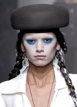 """Prudence Millinery hats for Vivienne Westwood Gold Label Autumn Winter 2013/ 2014. I' m sorry but I thought you're supposed to try and sell the style. This looks more like """"Kabuki"""" (ghost) style....scary..."""