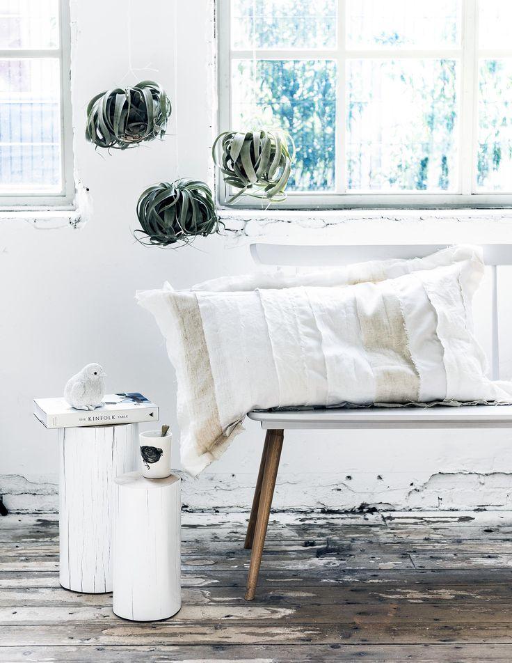 DIY kussen | DIY pillow  | vtwonen 09-2016 | photography: Sjoerd Eickmans | styling: Moniek Visser