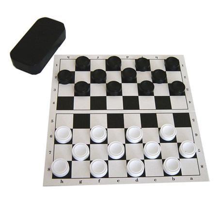 Настольная Игра Шашки с доской  — 179 руб.  —  Шашки — это классическая игра, которая придется по душе и взрослым, и детям. В комплект входит доска из прочного картона и набор из 24 шашек в удобном футляре. Этот набор можно брать с собой в поездку или путешествие. С ним весело коротать время в скучной дороге.Игра в шашки развивает логическое мышление, а также мелкую моторику рук и базовые математические навыки.Внимание! Цвет футляра для шашек может варьироваться.