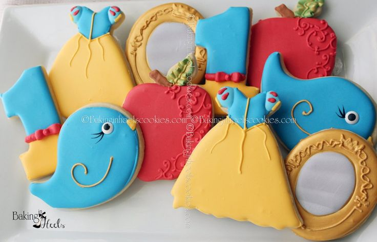 Snow White Birthday Party Sugar Cookies TheIcedSugarCookie.com Baking In Heels