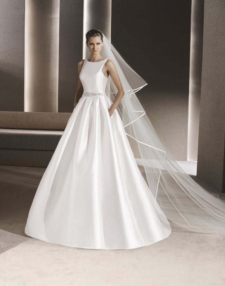 42 best La Sposa wedding dress images on Pinterest | Wedding frocks ...