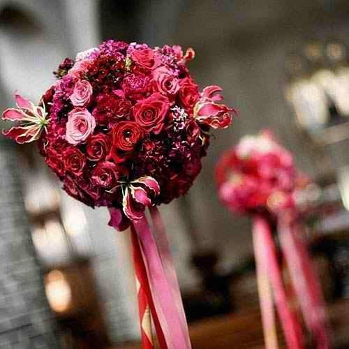 Composizioni floreali in rosso scuro