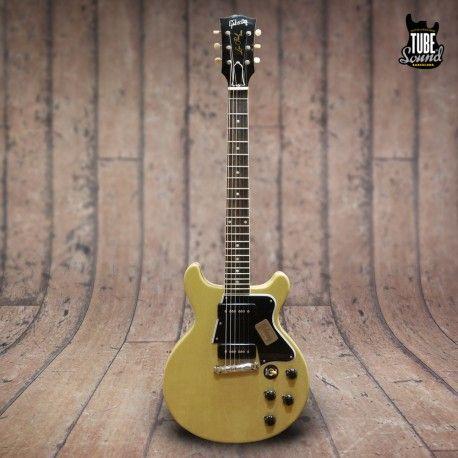 Gibson Custom Les Paul Special '60 Double Cutaway VOS TV Yellow - Tube Sound Barcelona. Este modelo fué introducido en realidad a finales de 1958, pero sólo 958 unidades se fabricaron ese año. Su popularidad, sin embargo, fue casi inmediata y la producción se duplicó a 1.821 unidades en 1959, haciendo que el modelo de doble cutaway fuera el tercer modelo más popular de Gibson detrás de la Les Paul Junior y la ES-125T.