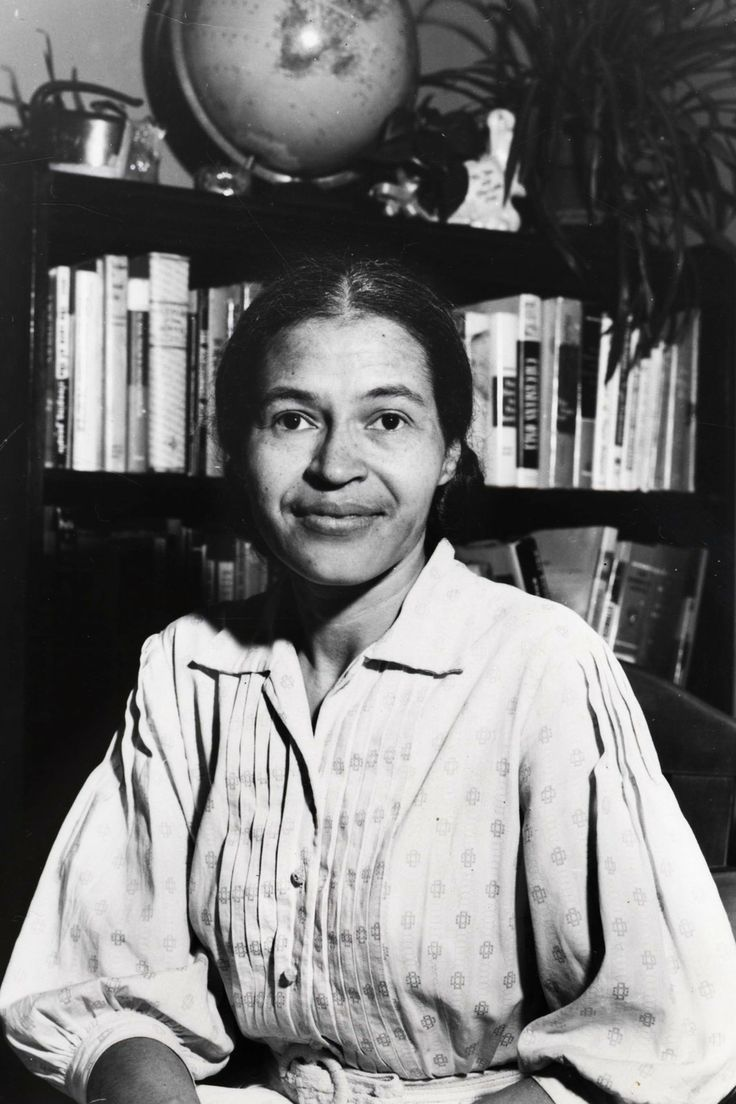 rosa parks bus boycott Bus boycott in alabama on dec 1, 1955, in montgomery, alabama, rosa parks, an african-american, refused to give up her seat on the bus to a white passenger, as local law required.