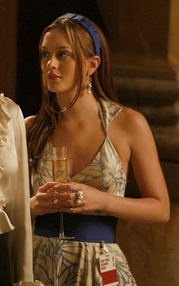 Blair Waldorf fashion: Gossip Girl season 3... - Blair ...  |Blair Waldorf Hair Season 2