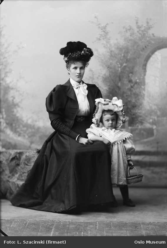 германском городе мода викторианской эпохи фото также