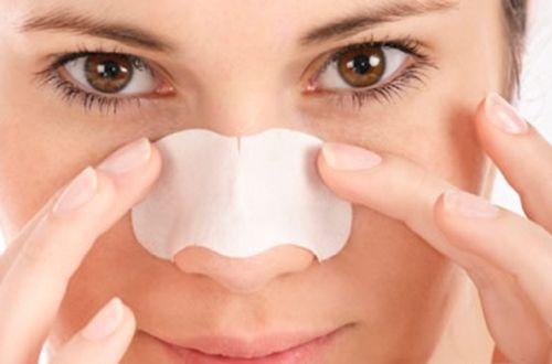 ニキビを治すのに潰すのは禁物です。薬や皮膚科も良いですが、まずは正しい洗顔方法でお肌のケアをしているか見直して下さい。洗い過ぎは返って過剰な皮脂の分泌の原因となります。自然療法で体のケアもしながら、殺菌作用のあるアロマ・フェイスクレンザーでニキビのケアが効果的です。#エッセンシャルオイル#アロマレシピ#アロマテラピー#ハーブ#ガーデニング