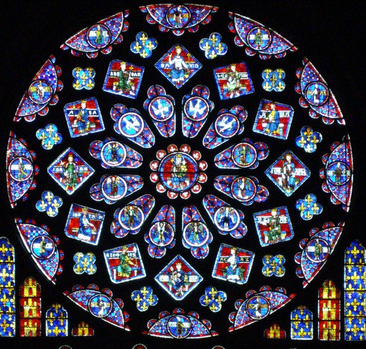 La Catedral de #Chartres cuenta con 2600 metros cuadrados de vidrieras. http://www.guias.travel/blog/chartres-capital-de-la-luz-y-del-perfume-y-su-catedral-patrimonio-de-la-humanidad/