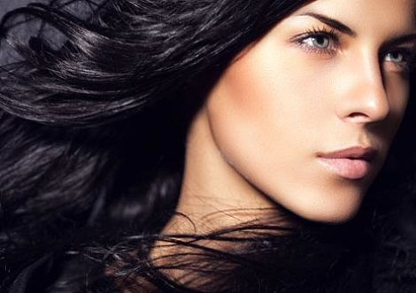 Rimedi naturali per scurire i capelli
