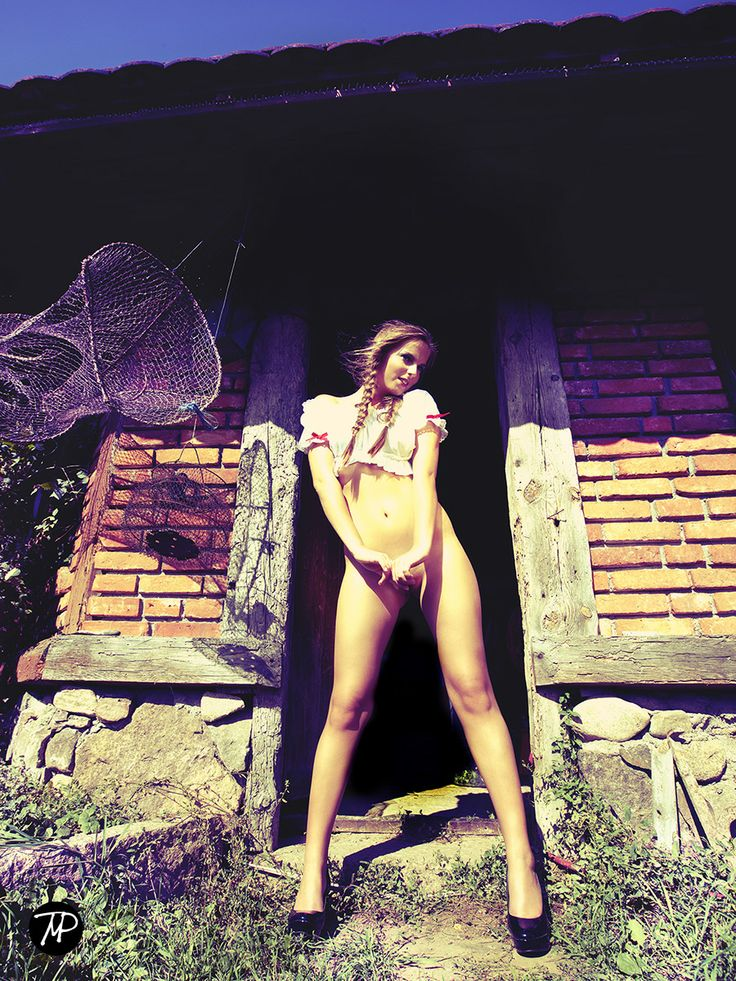 love the shine  #MichalPaz #nudeart #beauty #woman