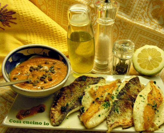 Filetti di orata grigliati con salsa di peperoni