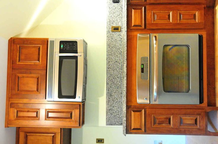 Custom kitchen cabinet photo showing built in oven