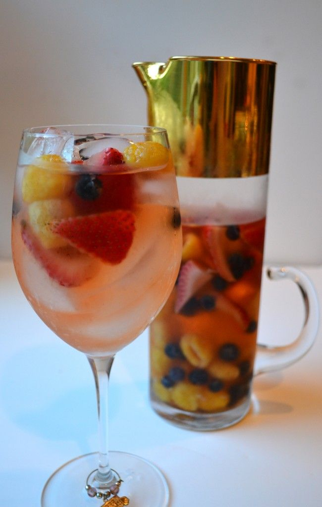 Lillet Berry Cocktail (French Sangria)