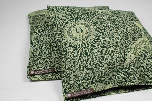 Kissenbezüge - 2 Kissenhüllen balinesischer Batik-Stoff grün - ein Designerstück von Knitters bei DaWanda