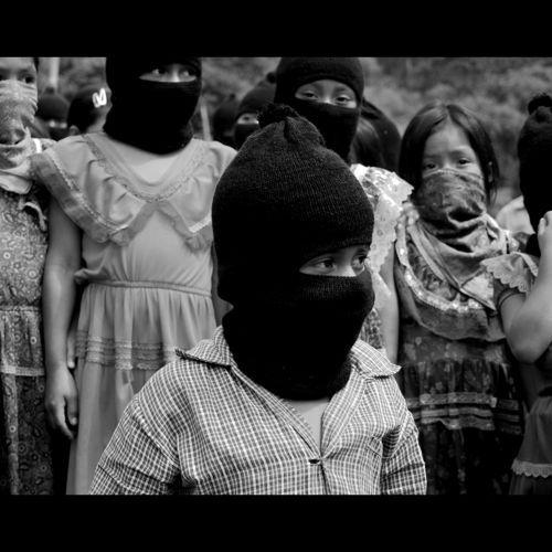 Los mas pequeños EZLN por ARDIENTE CAFE le groupe acoustique de la ville la plus dangereuse de la Suisse ! -  video por AZTEKA VIZION Tv  https://youtu.be/PXOaC-9ZTb4