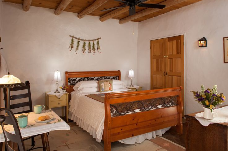 Jumping Rocks Photography share awesome low-cost room redos from the outstanding Casa Escondida in Chimayo, New Mexico.