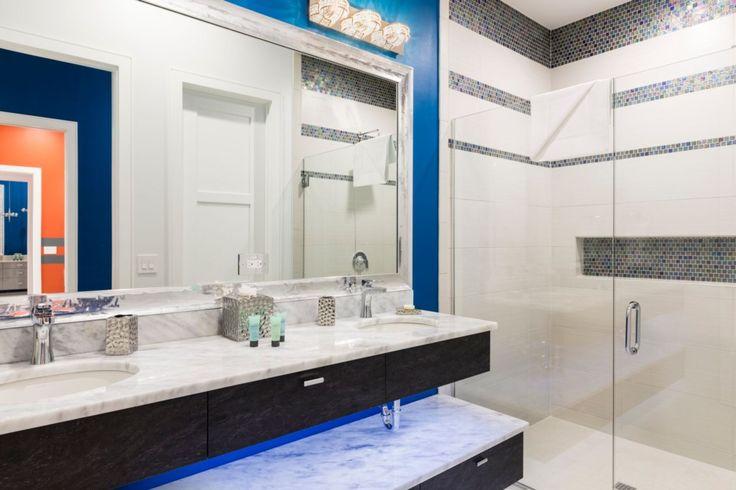 royal blue bathroom  royal blue bathrooms vacation home