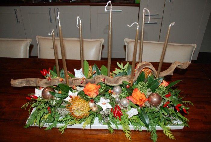 Kerststuk : Tafelstuk op rechthoekige schaal