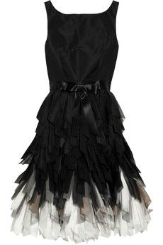 Oscar de la Renta  Fringed-skirt silk-taffeta dress: Oscar De La Renta, Silk Taffeta Dress, Oscars, Dresses, Oscardelarenta, Black Dress, Renta Fringed Skirt, Fringed Skirt Silk Taffeta