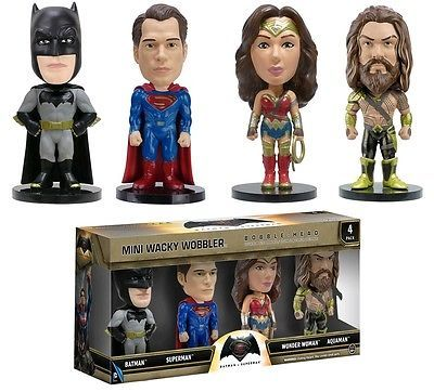 Batman vs Superman Mini Wacky Wobbler 4-Pack Bobble Head Figures - Aquaman Woman