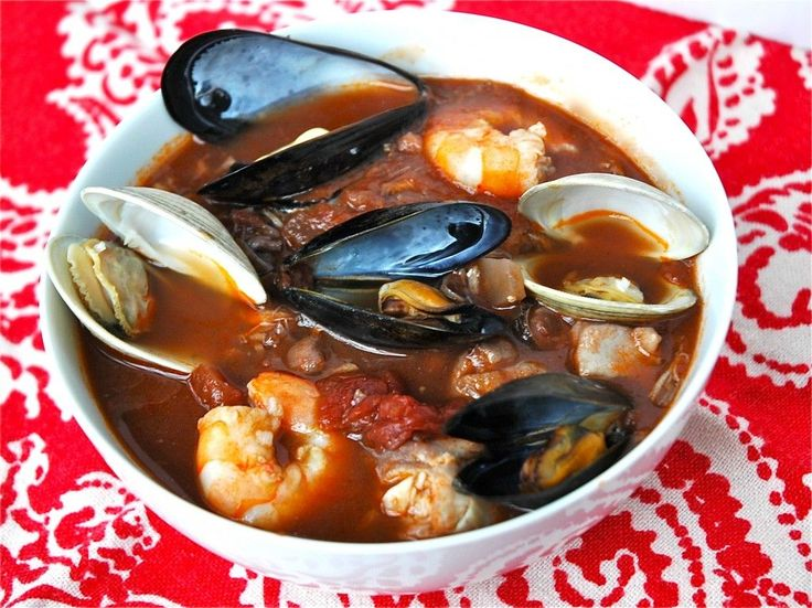 Cioppino soo delicious perfect for a christmas eve for Christmas eve fish recipes