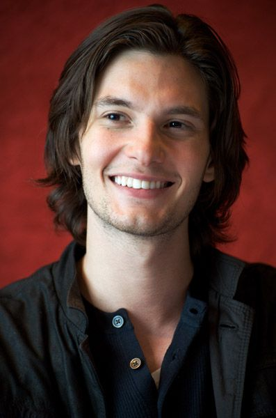 (Fc:Ben Barnes)) Hey there, my fellow humans! I'm Chastice Donovan but I prefer 'Chas' to be honest. I'm a 17 year old son of Jupiter. I'm a praetor in Camp Jupiter. I was a member of the 1st cohort before that. I have 4 slash marks underneath my SPQR tatoo. I am a man of humour and mirth and always keen on forming new friendships