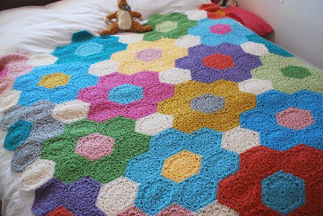 Diseño de flores tejido al croché. ¡Hermoso!: De Foto, Crochet Quilts, Crochet Knits Yarns, De Flore, Crochet, Floral Hex3, Cki Crochetknittingyarn, Large Floral, Design