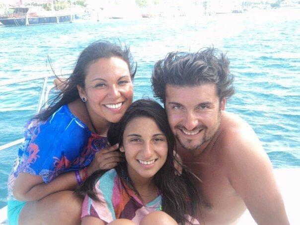La actriz y Productora Alejandra Espinosa Auad en familia en unas hermosas vacaciones muy merecidas.